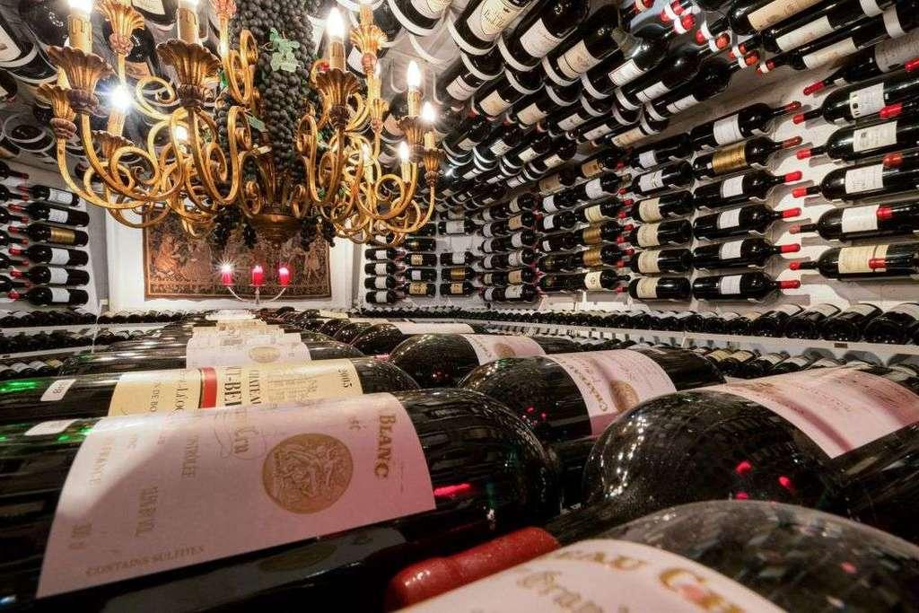 Großflaschenweinkeller Hospiz Alm Restaurant