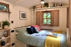 Plankbridge - Makers of fine huts